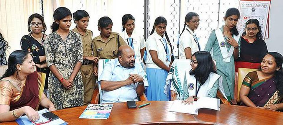 students meeting with minister